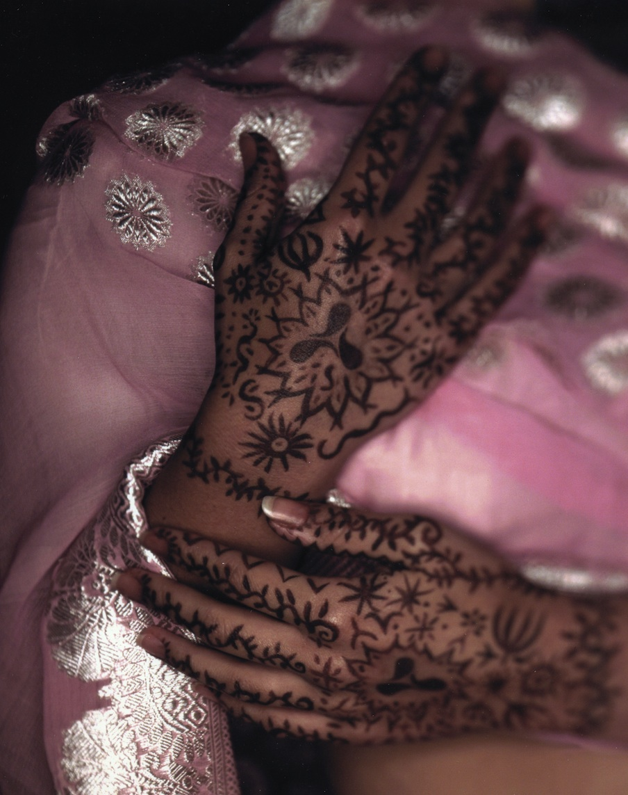 Henna mehndi hands photography by Philip Lee Harvey